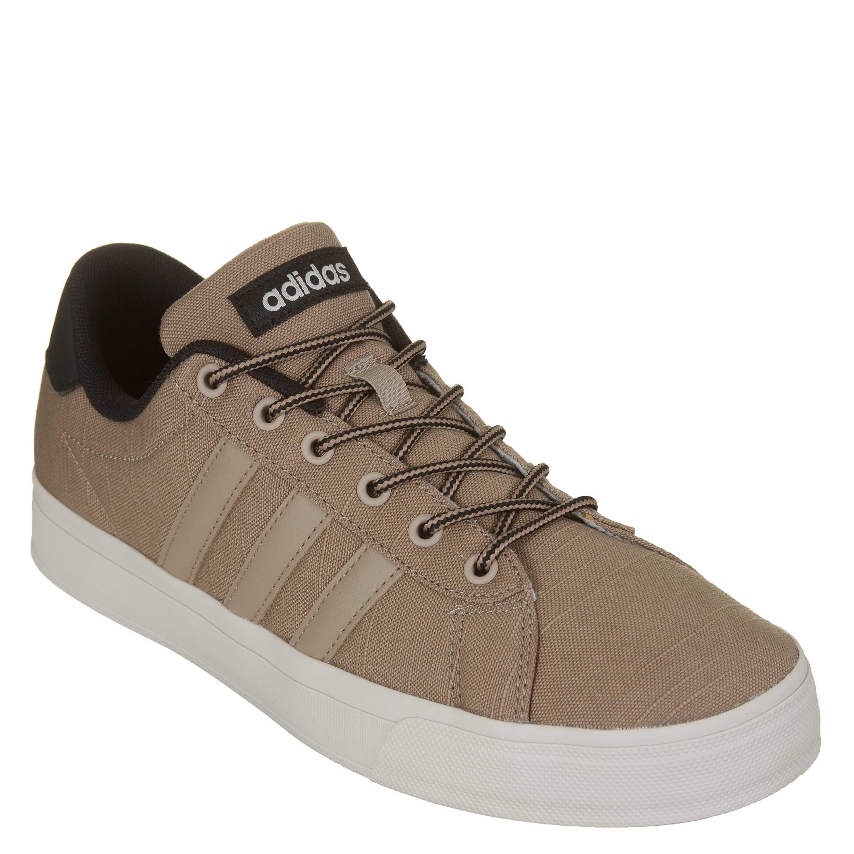 fe0f37767a Tênis Adidas Daily Masculino - Marrom